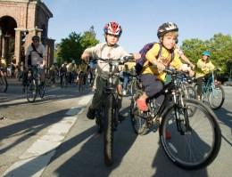 kids-on-bikes_5-13-08