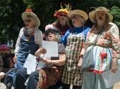 raging-grannies3_6-2-08