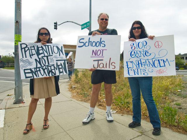 schools-not-jails_6-17-09