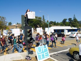 ucsc-students-on-strike_9-24-09