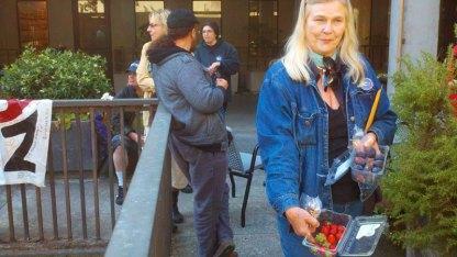 Santa Cruz Eleven Supporter Gail Williamson Provides A Healthy Breakfast