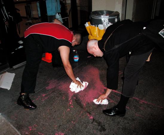 cleaning-wells-fargo_7-8-05