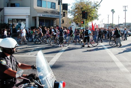 bicyclists handle the traffic