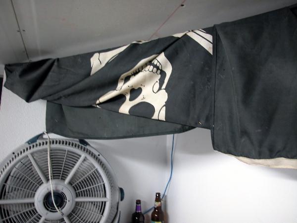 pirateflag_9-29-04