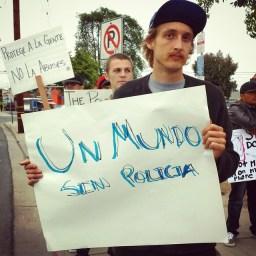 """Un Mundo Sin Policia"""