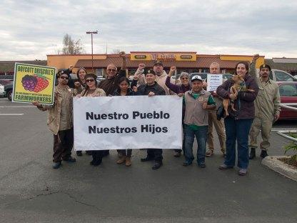 Boycott Driscoll's Group Photo at Mi Pueblo Market in Watsonville