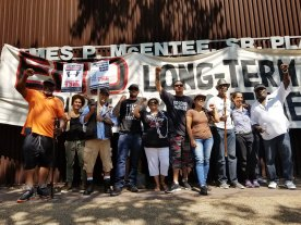 Prisoner Solidarity Activists Raise Fists