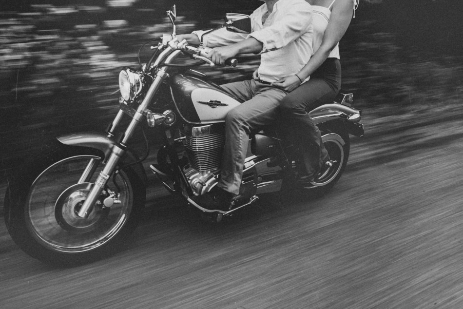 Motorcycle-engagement-photos07