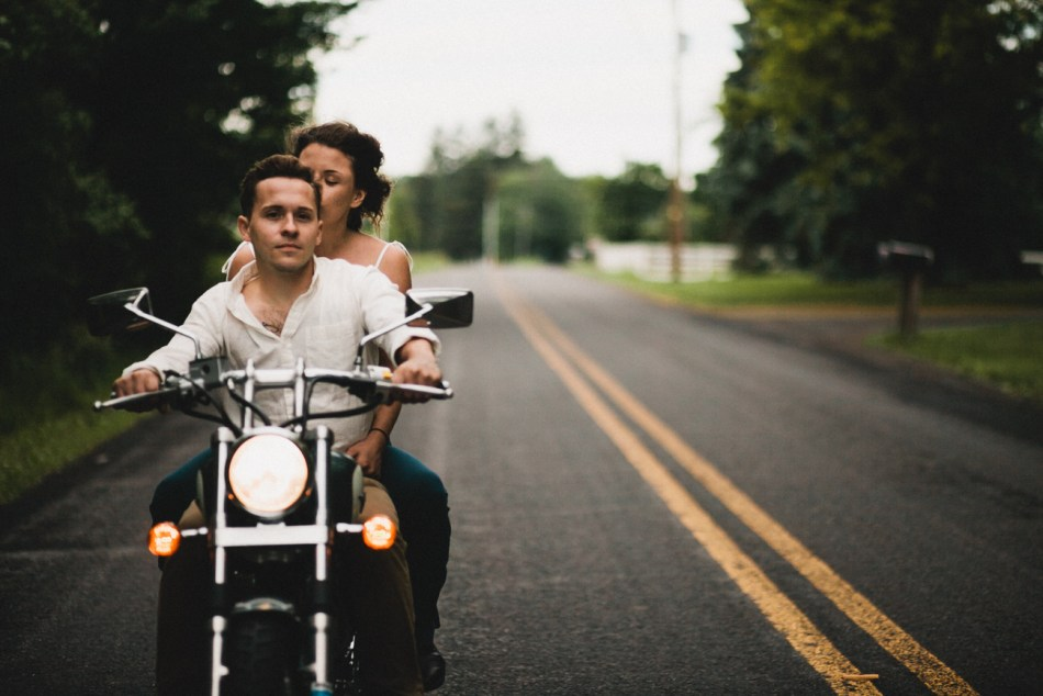 Motorcycle-engagement-photos10