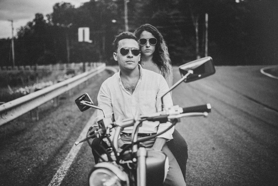 Motorcycle-engagement-photos11