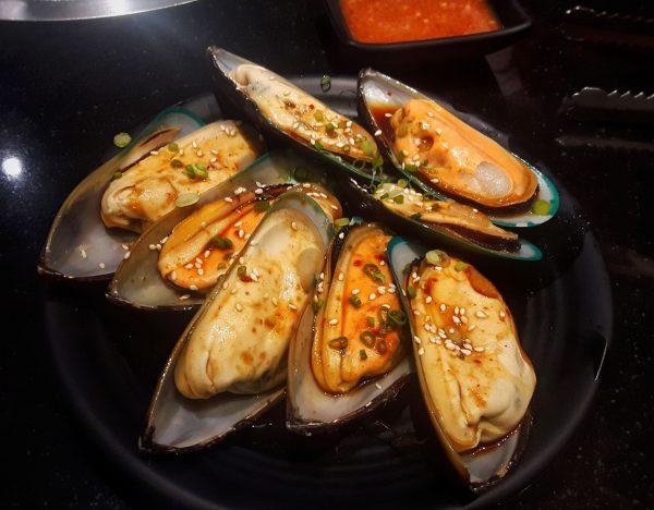 NZ Half Shell Mussels 908g