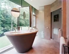 Master Bath. Photo by Albert Vecerka   ESTO.