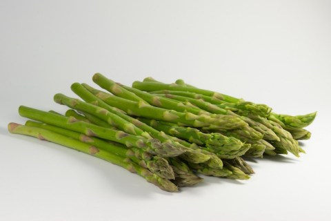 Asparagus comes in at the top of the list of top 5 spring vegetables.