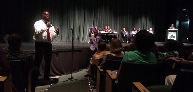 Mayor Steve Benjamin addresses the assembly.