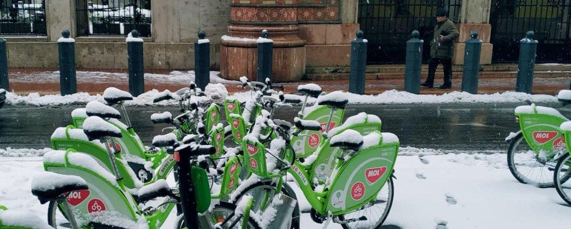 Bicicletas em Budapeste, com neve