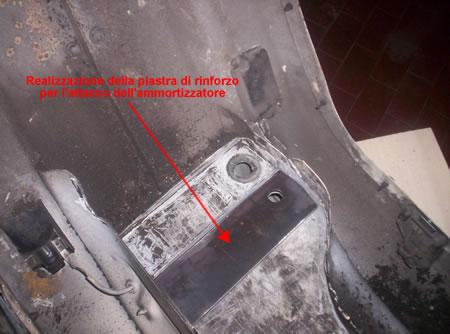 La piastra di rinforzo per la zona d'attacco dell'ammortizzatore Vespa 50