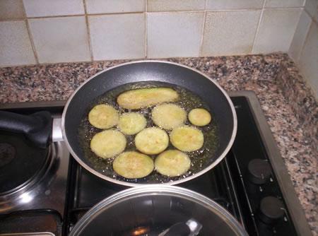 La frittura delle melanzane