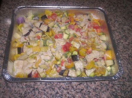 Le verdure condite pronte per essere cotte