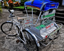This version of the pedicab reminds me so much of my grandfather's hometown, Pototan, Iloilo, where these 'padyaks' dominated the streets.