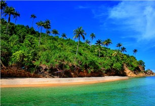 The fine white sandy beach of Turtle Island is both inviting and exquisite!
