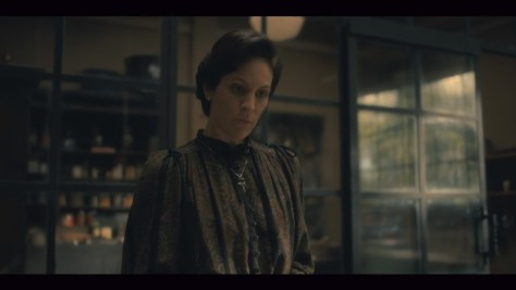 Mrs. Dudley, The Haunting of Hill House, Netflix, FlanaganFilm, Amblin Television, Paramount Television, Annabeth Gish