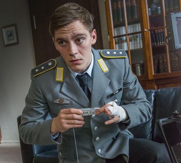 Deutschland-83-serie-tv-alemana-german_martin-spy