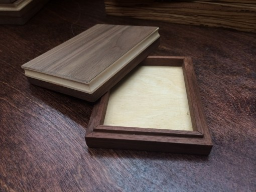 Single Walnut Display Box (BV BRANDED - Holds One Deck)
