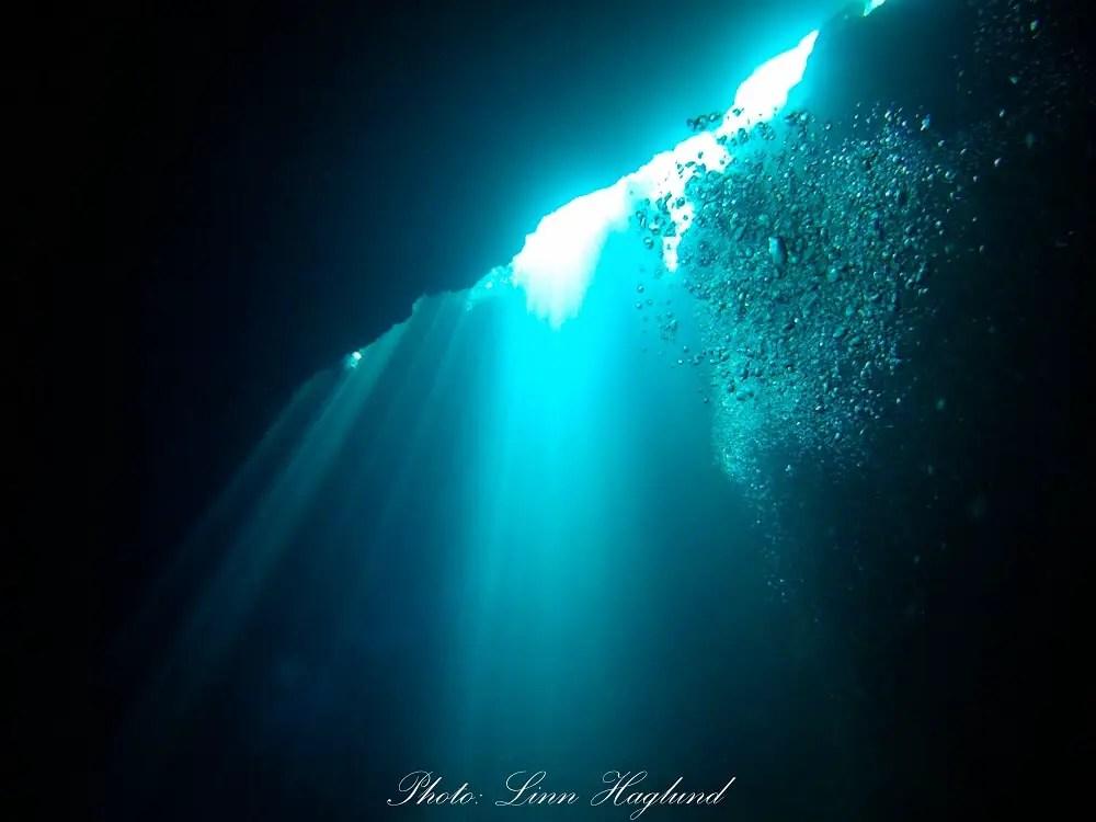 Scuba diving in Cueva de Los Peces