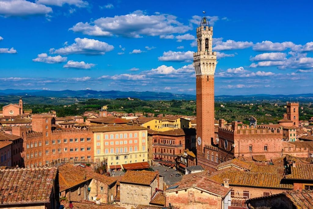 Siena itinerary city view