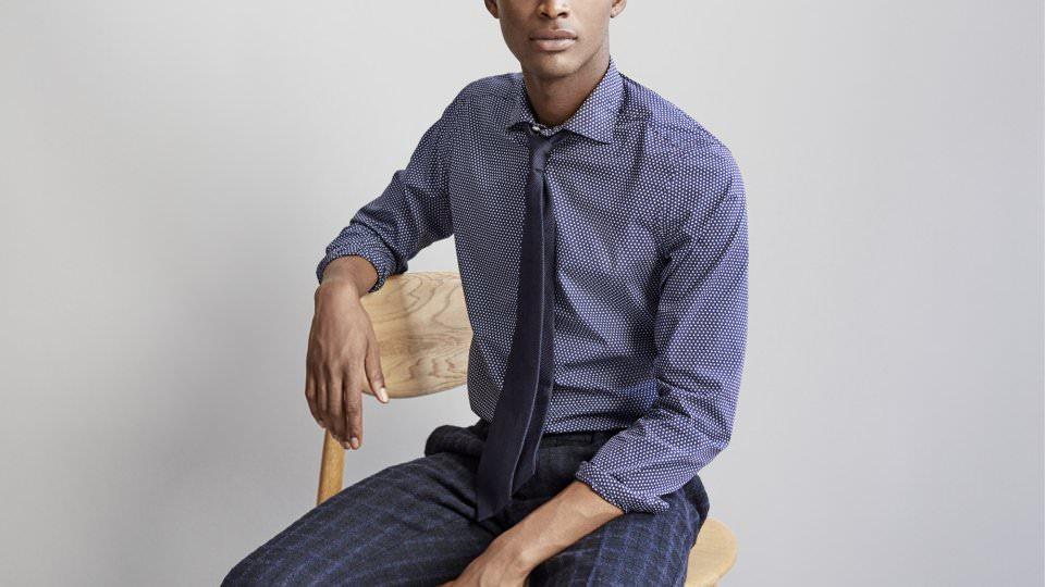 Какой галстук подобрать к синей рубашке?