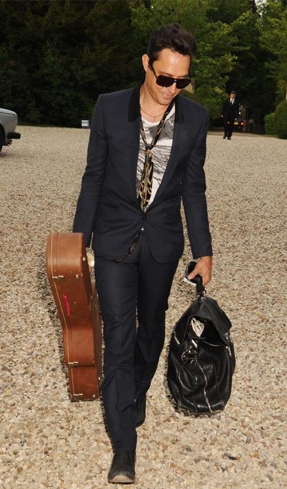 Британский гитарист Джейми Хинс
