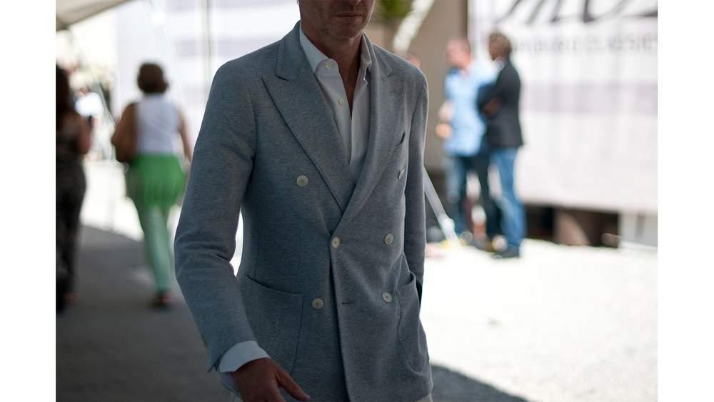 Мягкая двубортная куртка