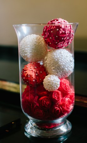 Faux pearl and flower decorative balls