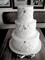 white henna wedding cake