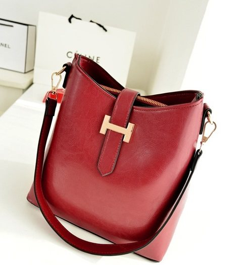 62202 RedRp. 156000Out of Stock