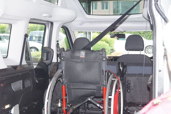 Rollstuhl im Auto 2