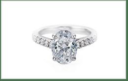 橢圓形切割的1克拉白金鑽石鑽戒