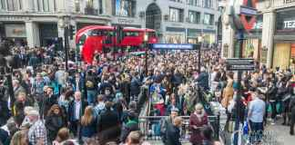 London crowded Oxford Circus