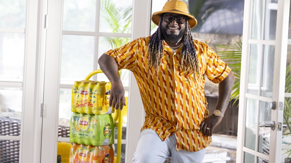 """Lipton Iced Tea and T-Pain shows how tea time is """"We"""" time"""