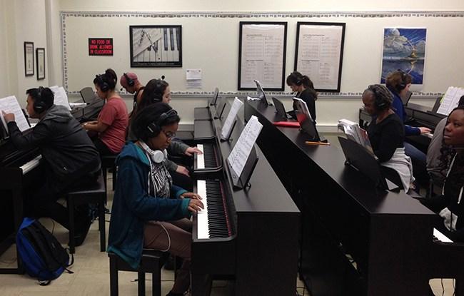 Fresno City College Piano Lab