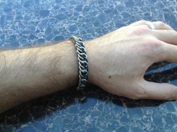 chainmail_bracelet_half_persian_black_steel_hand