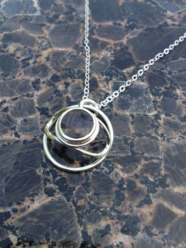 necklace_eye_cage_lens_glass_silver