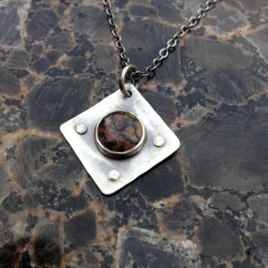 necklace_square_rivets_unique_stone_silver