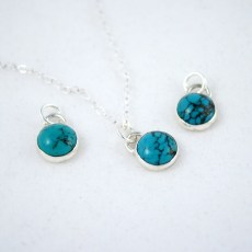 necklace_turquoise_simple_8mm_group