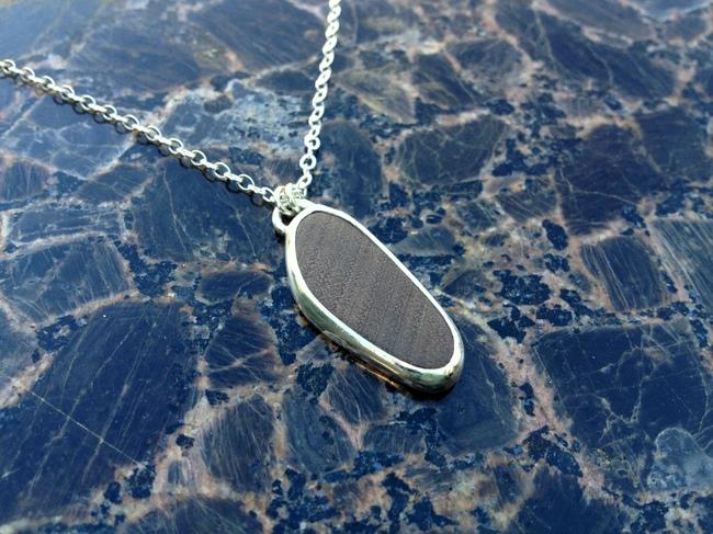 necklace_wood_mahogany_silver