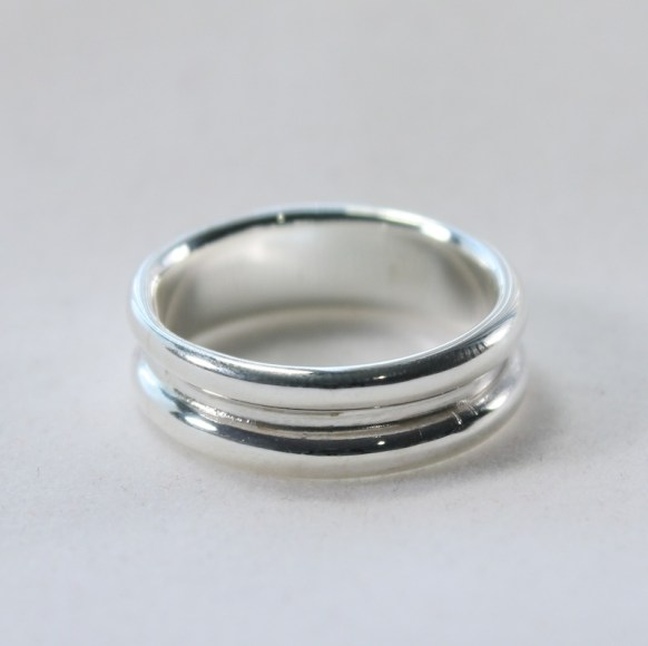 ring_silver_thick_band_double_hump