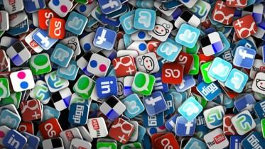 Risultati immagini per social network