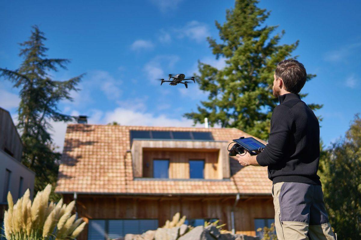 Dron BEBOP PRO THERMAL Safety  Dron do zadań profesjonalnych z kamerą termowizyjną Dron BEBOP PRO THERMAL Safety Lifestyle 2