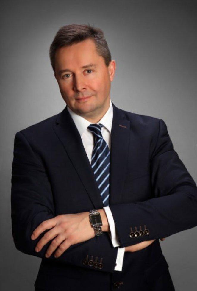 Ireneusz Wiśniewski, Dyrektor Zarządzający wF5 Networks  Ireneusz Wiśniewski: Co zrobić, by sięgnąć chmur? Ireneusz Wisniewski F5 1 693x1024