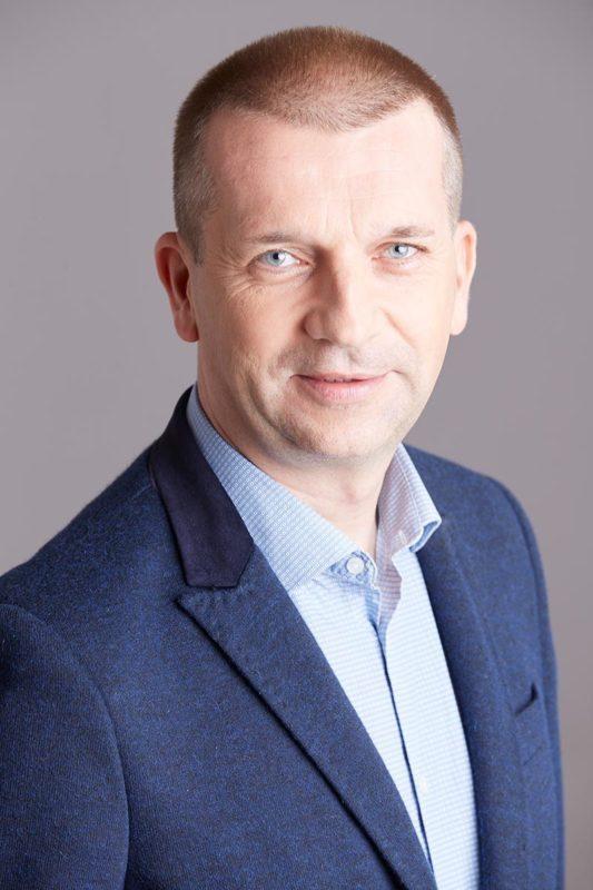 Przemysław Kucharzewski  Przemysław Kucharzewski w NEWIND S.A. Przemys  aw Kucharzewski
